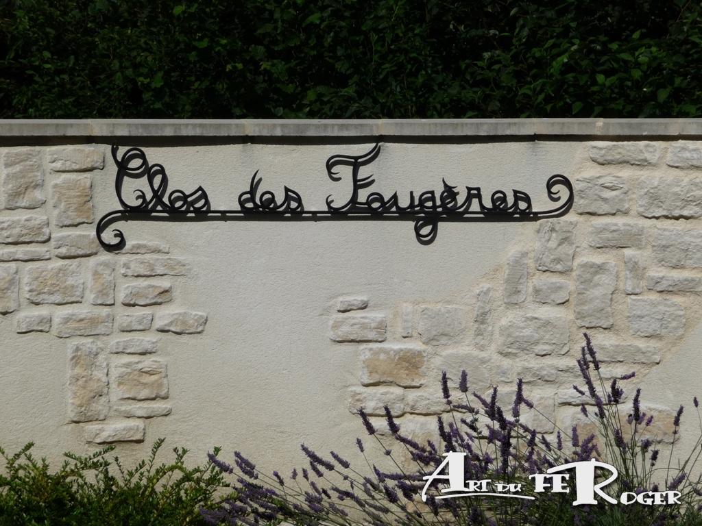 Nom-village-ferronnerie